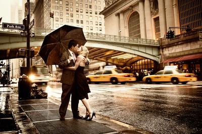 "РН GХ5400 ""Поцелуй под зонтом на фоне моста"", 40х50 см"